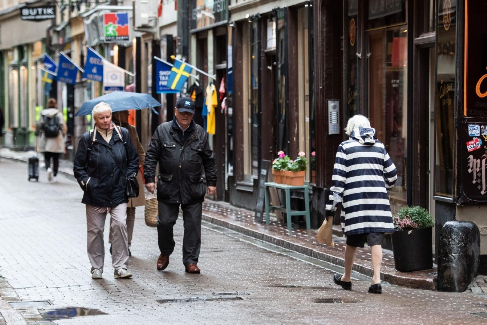 Švedska uvodi popuštanje mjera za starije osobe